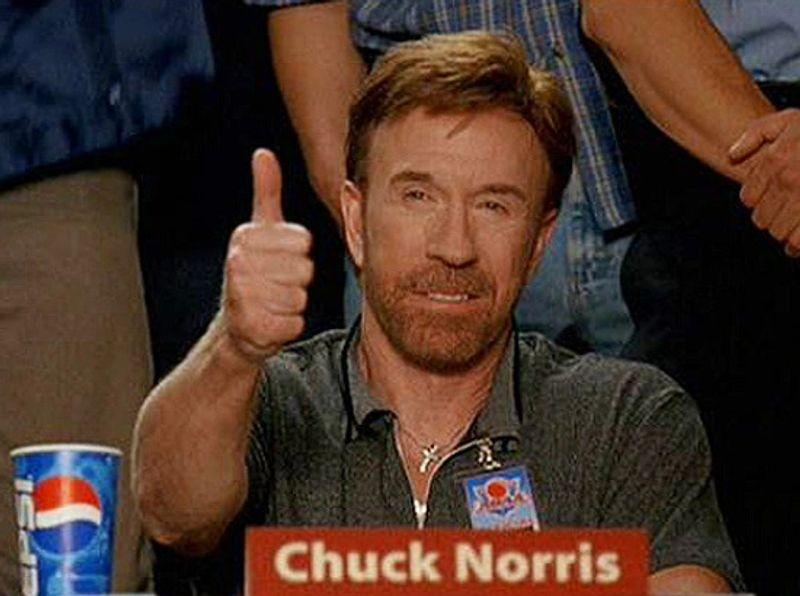 Chuck Norris - palec nahoru