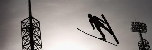 Nádherný obrázek ze skoku na lyžích z ZOH 2018 v Jižní Koreii